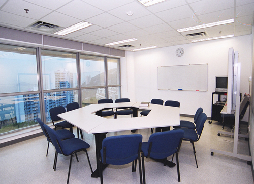 Wei Lun Education Centre (PBL tutorial room)